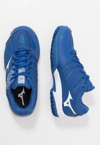 Mizuno - BREAK SHOT 2 CC - Tennissko til multicourt - true blue/white - 0