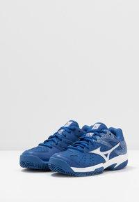 Mizuno - BREAK SHOT 2 CC - Tennissko til multicourt - true blue/white - 3
