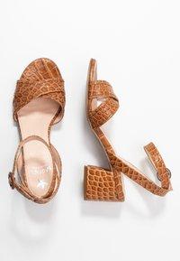 Maripé - Sandals - kissa caramello - 3