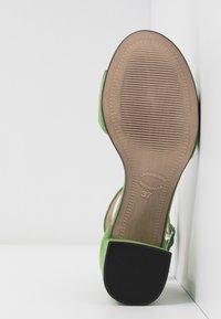Maripé - Sandaler - verde - 6