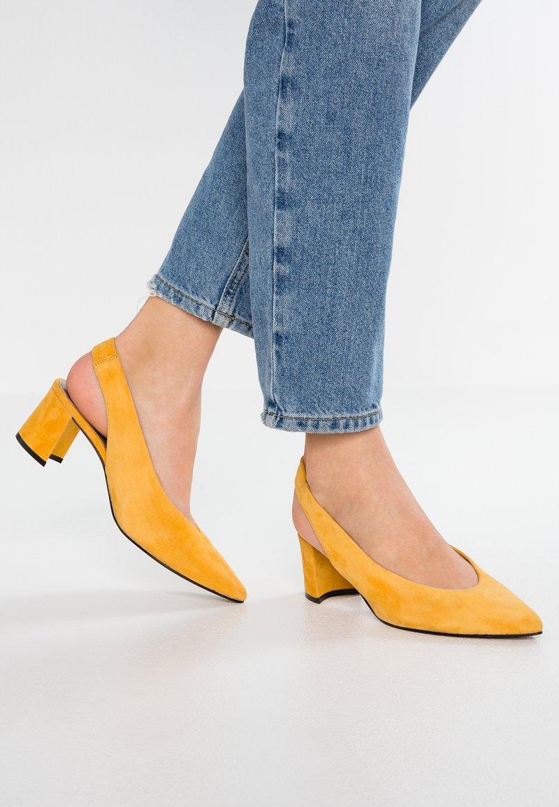 Maripé - Klasické lodičky - saffron