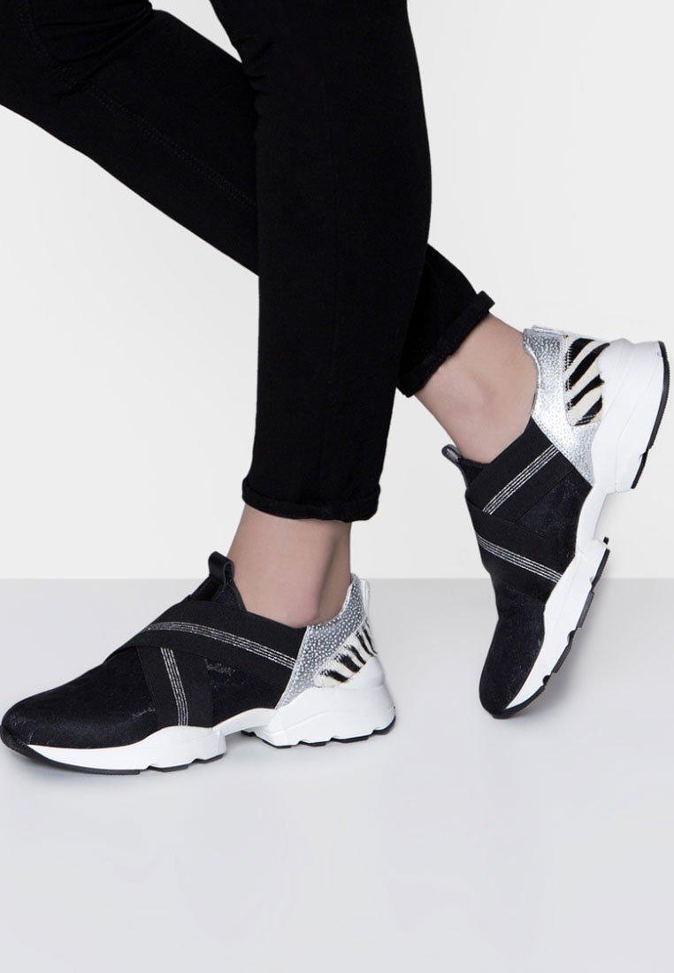 Maripé - Sneaker low - black/white