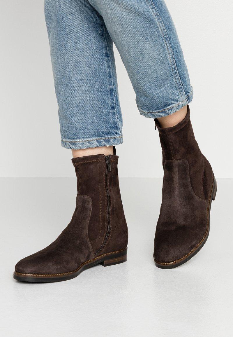 Maripé - Støvletter - brown