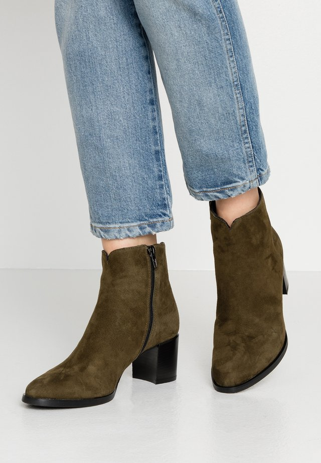 Ankle boots - militi