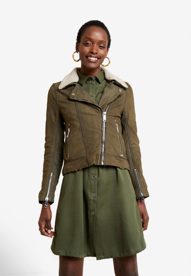 LECHA - Leather jacket - olive