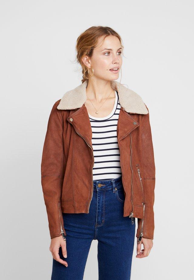 LECHA - Leather jacket - cognac