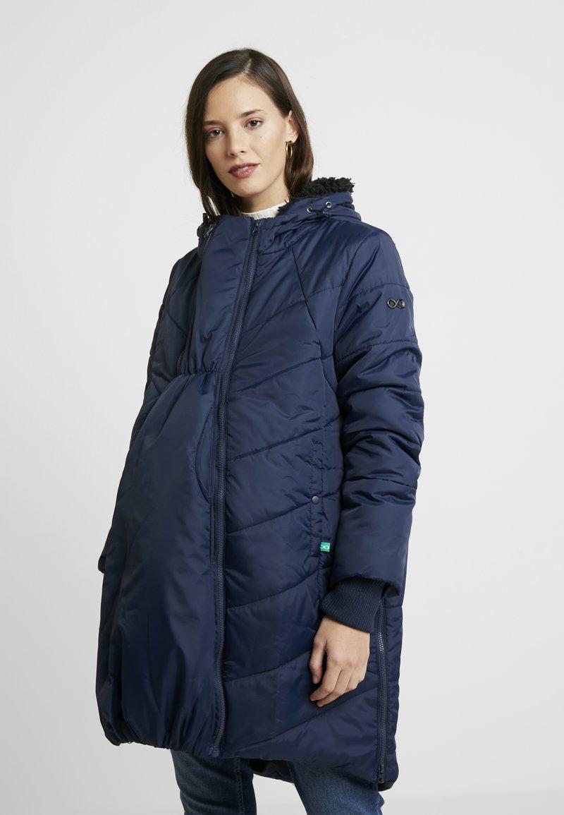 Modern Eternity - HARPER THIGH COCOON PUFFER COAT - Zimní kabát - navy