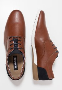 Madden by Steve Madden - PUNTE - Chaussures à lacets - cognac - 1