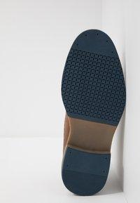 Madden by Steve Madden - SESTIN - Volnočasové šněrovací boty - tan - 4