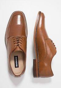 Madden by Steve Madden - GEL - Elegantní šněrovací boty - cognac - 1