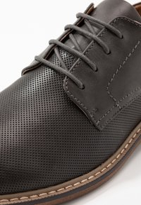 Madden by Steve Madden - NYTRO - Smart lace-ups - grey - 5