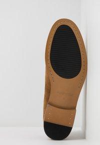 Madden by Steve Madden - EXCESS - Elegantní šněrovací boty - cognac - 4