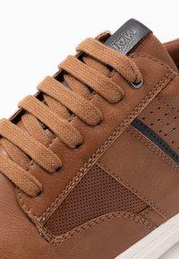 Madden by Steve Madden - DALLYN - Sneakers - cognac - 5