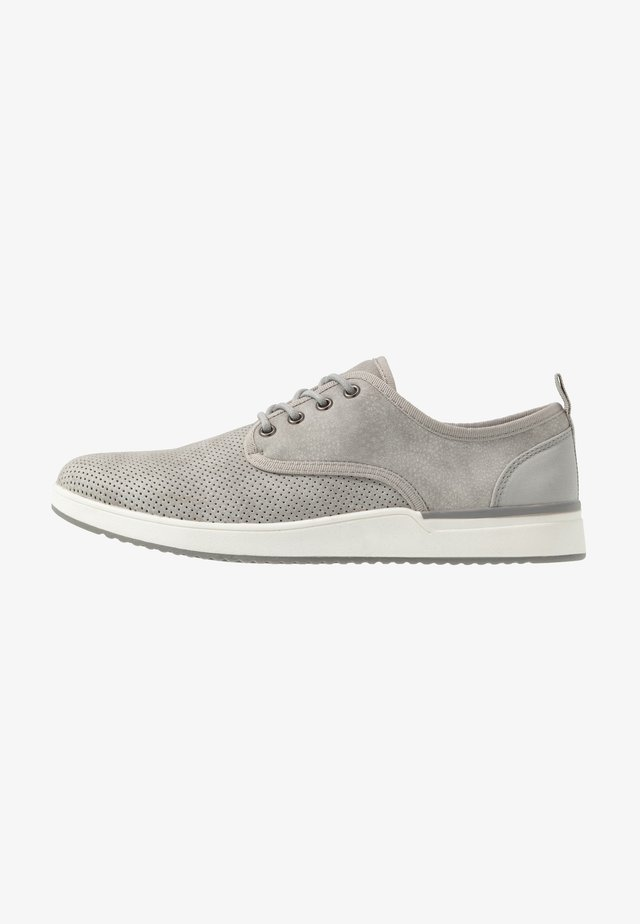 PUNISH - Baskets basses - grey