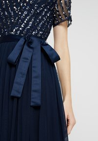 Maya Deluxe - STRIPE EMBELLISHED MAXI DRESS WITH BOW TIE - Suknia balowa - navy - 5