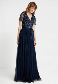 Maya Deluxe - STRIPE EMBELLISHED MAXI DRESS WITH BOW TIE - Suknia balowa - navy - 0