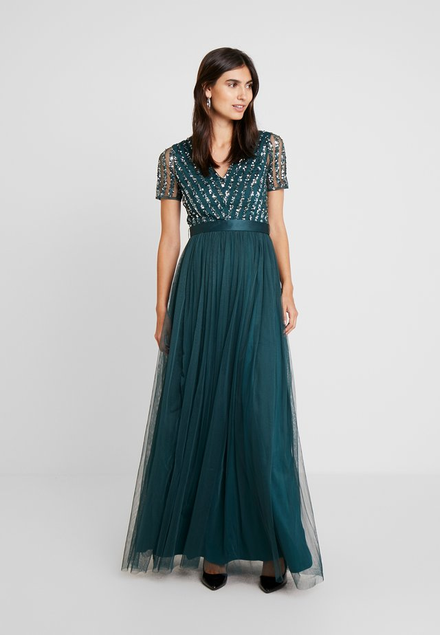 STRIPE EMBELLISHED MAXI DRESS WITH BOW TIE - Gallakjole - emerald