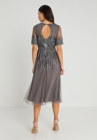 Maya Deluxe - EMBELLISHED MIDI DRESS WITH HIGH NECK - Cocktailkjole - charcoal - 2