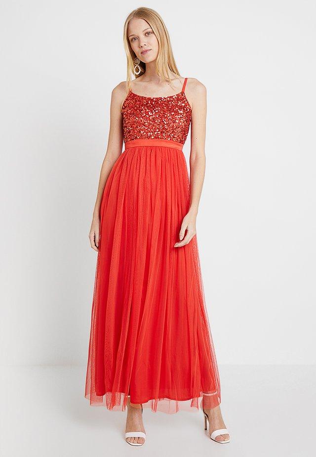 CAMI SEQUIN BODICE DRESS WITH BOW BACK - Suknia balowa - fiesta