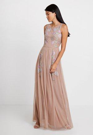 EMBELLISHED SLEEVELESS DRESS WITH CUTOUT BACK - Společenské šaty - taupe blush