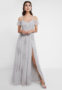 Maya Deluxe - EMBELLISHED DRESS IN SPOT WITH RUFFLE COLD SHOULDER - Galajurk - soft grey - 0