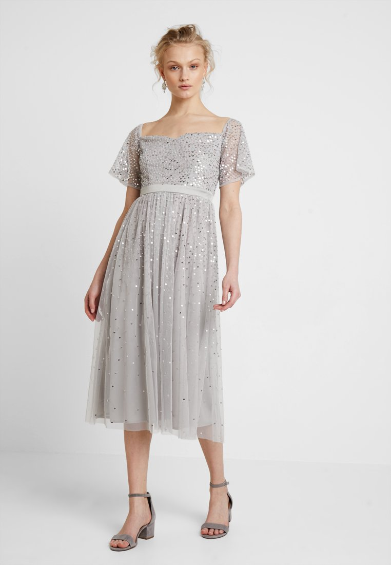 Maya Deluxe - ALL OVER SCATTERED EMBELLISHEDBARDOT MIDI DRESS - Vestido de cóctel - grey