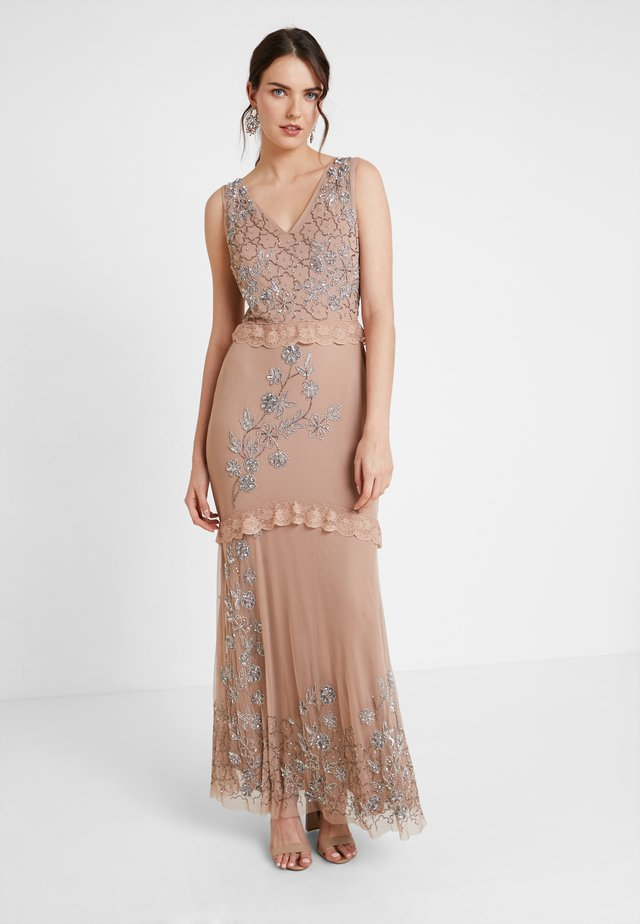 V NECK MAXI DRESS WITH PLACEMENT EMBELLISHMENT AND DETAILING - Suknia balowa - taupe blush