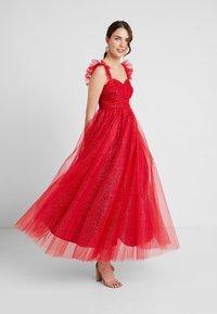 Maya Deluxe - GLITTER MAXI DRESS WITH RUFFLE SLEEVE - Společenské šaty - red/gold - 2