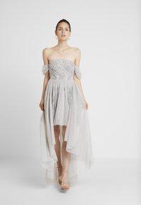 Maya Deluxe - EMBELLISHED HIGH LOW BARDOT DRESS - Ballkjole - soft grey - 0