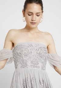 Maya Deluxe - EMBELLISHED HIGH LOW BARDOT DRESS - Ballkjole - soft grey - 5