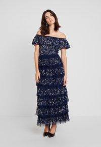 Maya Deluxe - ALL OVER EMBELLISHED TIERED BARDOT MIDAXI DRESS - Vestido de fiesta - navy - 0