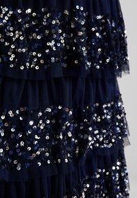 Maya Deluxe - ALL OVER EMBELLISHED TIERED BARDOT MIDAXI DRESS - Vestido de fiesta - navy - 7