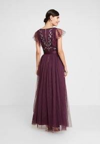 Maya Deluxe - RUFFLE SLEEVE EMBELLISHEDBODICE DRESS WITH SASH TIE BELT - Suknia balowa - plum - 3