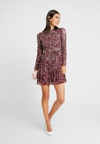 Maya Deluxe - ALL OVER EMBELLISHED MINI DRESS WITH OPEN BACK - Juhlamekko - berry multi - 2