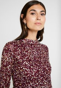 Maya Deluxe - ALL OVER EMBELLISHED MINI DRESS WITH OPEN BACK - Juhlamekko - berry multi - 6