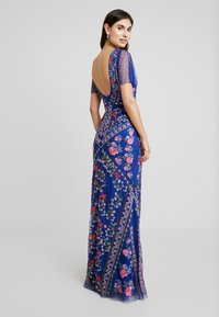 Maya Deluxe - ALL OVER EMBROIDERED FLORAL MAXI DRESS - Ballkjole - cobalt/multi - 3