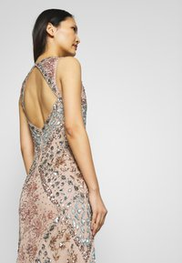Maya Deluxe - DEEP V NECK EMBELLISHED MAXI DRESS WITH CUT OUT BACK - Vestido de fiesta - nude/multi - 4