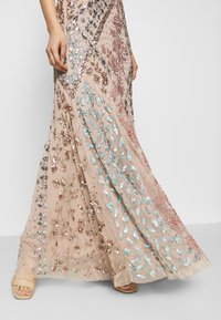 Maya Deluxe - DEEP V NECK EMBELLISHED MAXI DRESS WITH CUT OUT BACK - Vestido de fiesta - nude/multi - 5