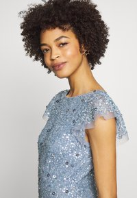 Maya Deluxe - DIP BACK ALL OVER SEQUIN MAXI DRESS - Galajurk - dusty blue - 4