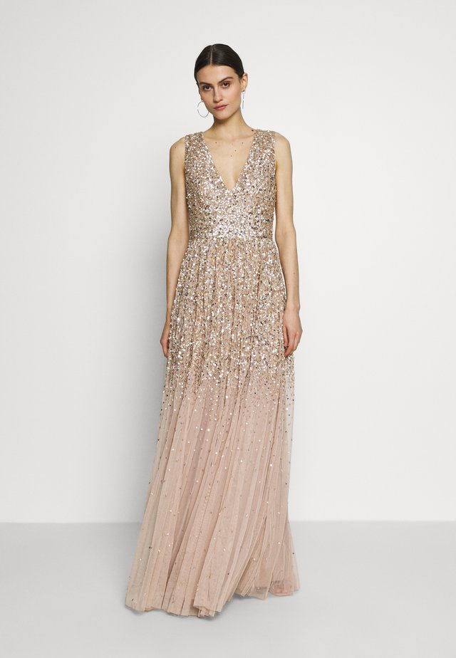 EMBELLISHED NECK MAXI DRESS - Galajurk - gold