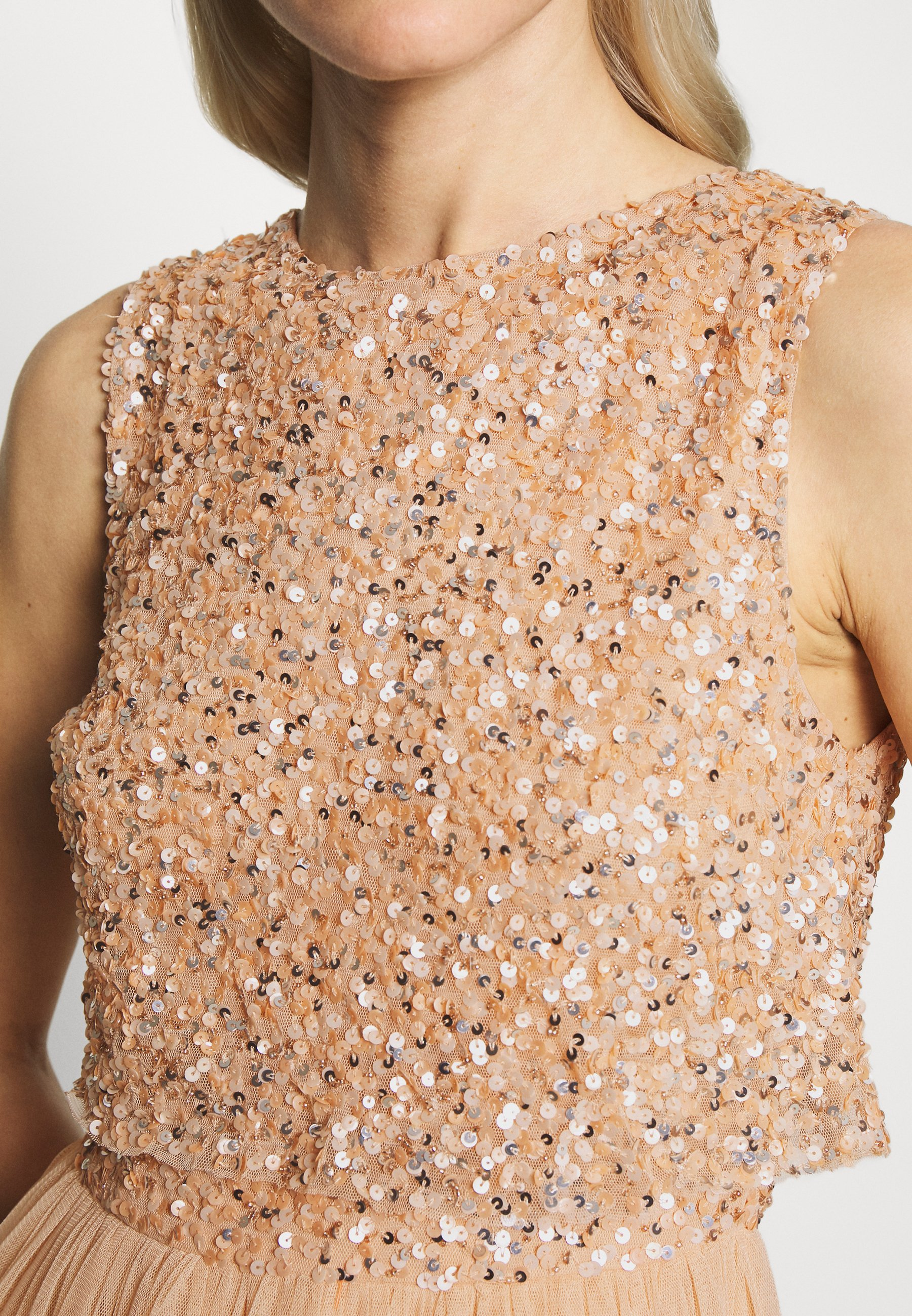 Maya Deluxe EMBELLISHED OVERLAY MIDAXI DRESS - Suknia balowa - peach