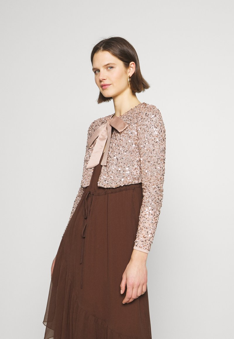 Maya Deluxe - DELICATE SEQUIN JACKET WITH BOW - Kofta - taupe blush