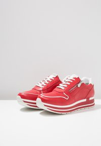 Marco Tozzi - Joggesko - red - 4