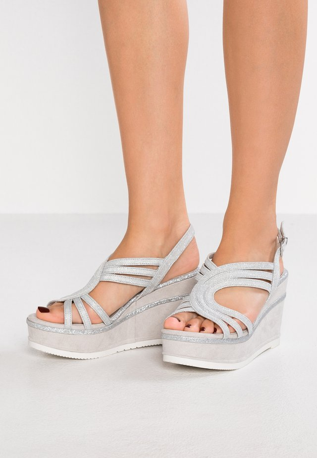 High Heel Sandalette - light grey metallic