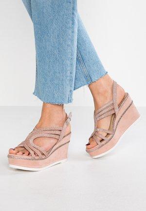 Sandales à talons hauts - rose metallic