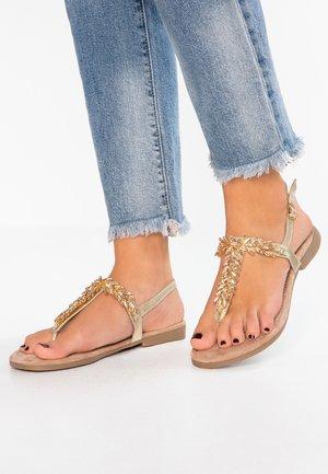 Sandály s odděleným palcem - platinum