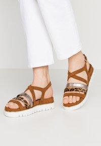 Marco Tozzi - Wedge sandals - cognac - 0