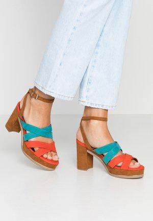 Sandály na vysokém podpatku - tangerine