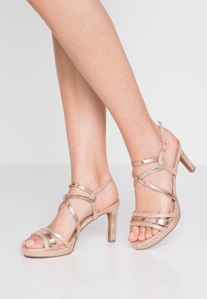 Sandaler med høye hæler - rose metallic