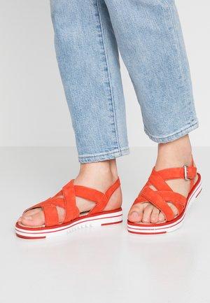 Sandály - scarlet